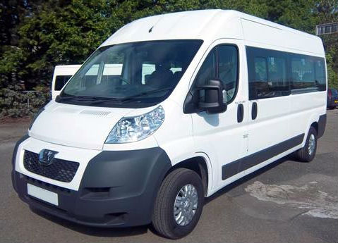Fourgon 4×4, aménagé ou minibus d'occasion … Le fourgon change selon vos besoins